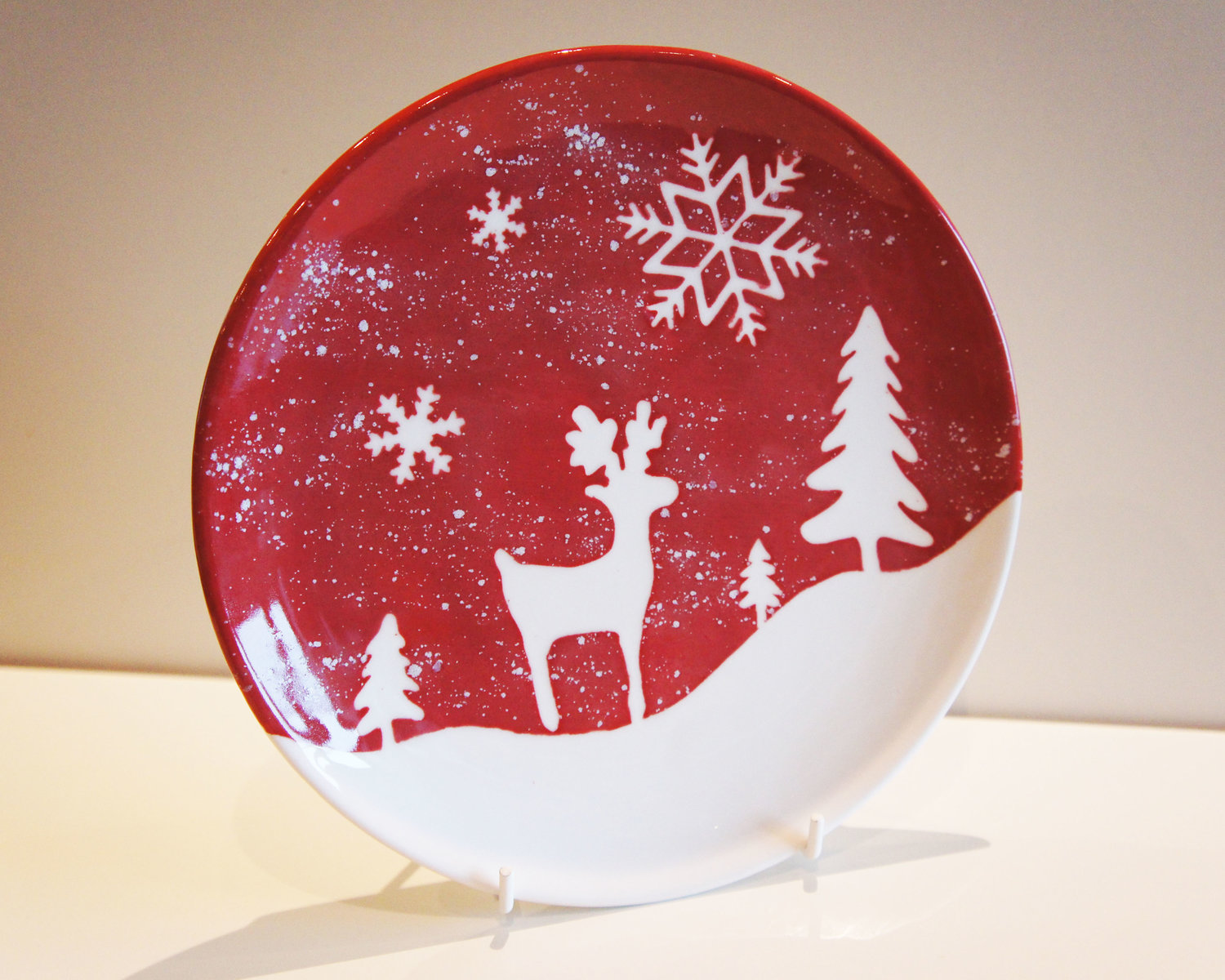 A Lesson In Christmas Ceramic Painting