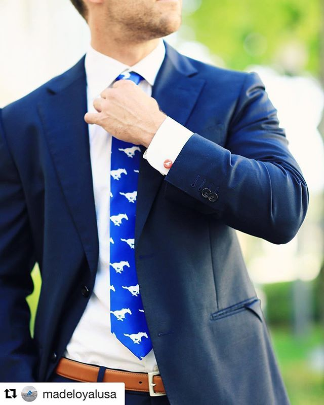 The dapper dad... 👌🏼😎 #FathersDayisComing #REPOST @madeloyalusa @smu_athletics  Collegiate // MLS // Political // Style Button Covers