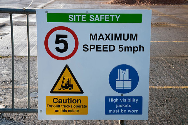 site-safety-PPE-safety-signs.jpg
