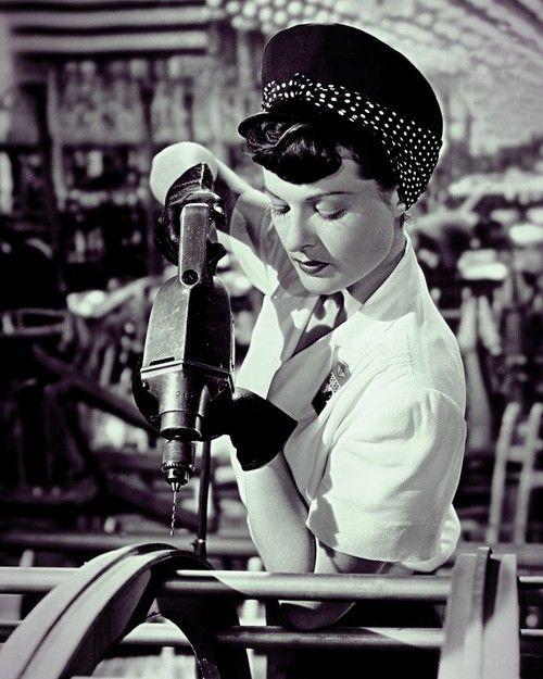 1942. Rosie La Remachadora.