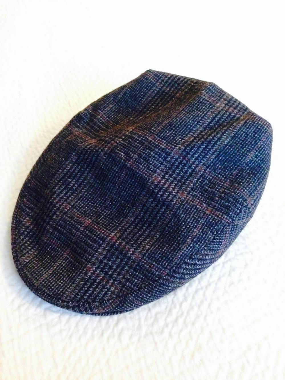 Standard flat cap in handsome glen check.