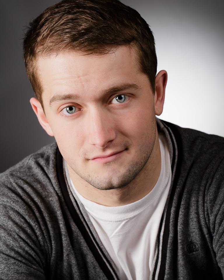 Hull Actor Headshot - Aaron