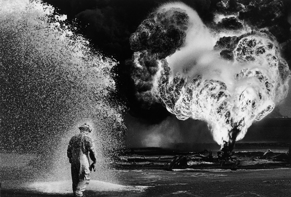 Oil Wells Firefighter, Sebastiao Salgado, 1991