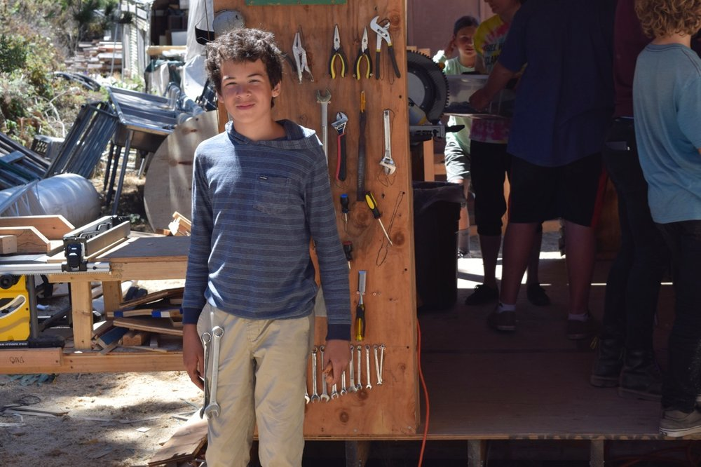 Gus has figured out a way to become a human shop and attach all the tools to himself!