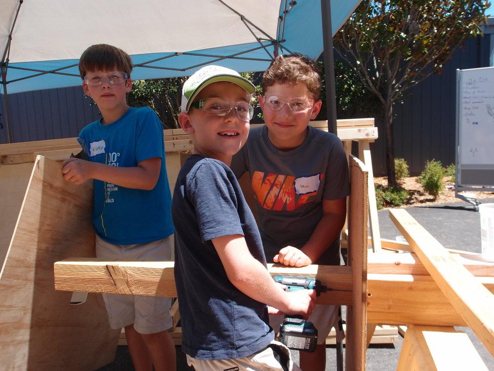 mast builders.JPG