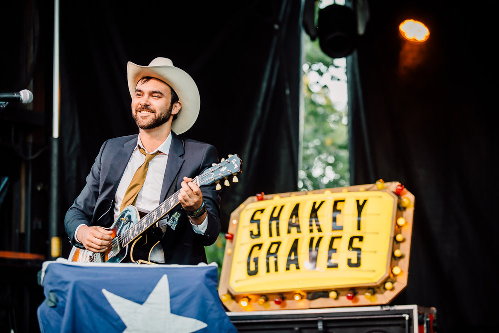 Shakey Graves - 2 - Loufest - Pitch.jpg