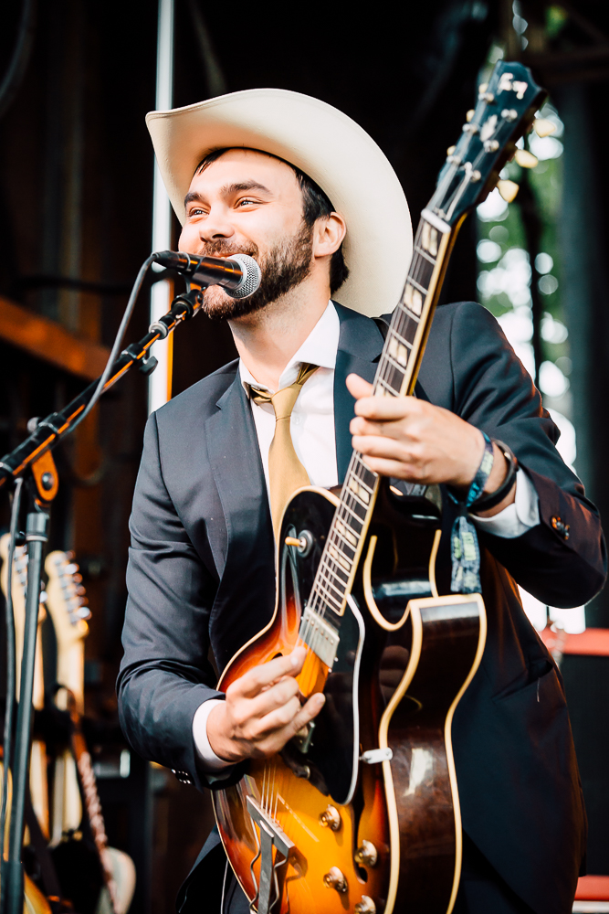 Shakey Graves - 4 - Loufest - Pitch.jpg
