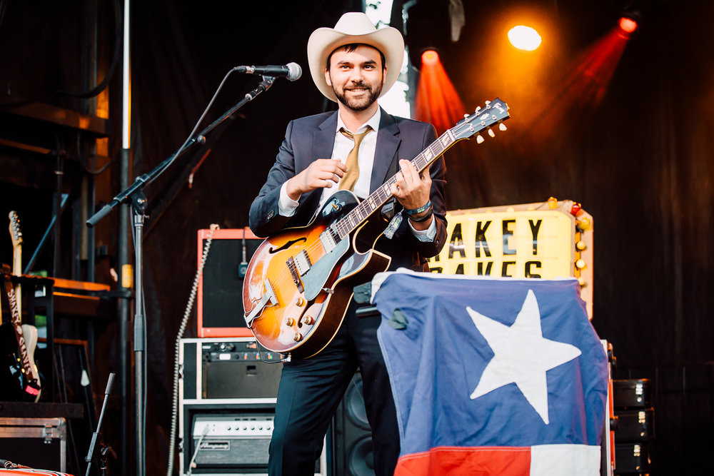 Shakey Graves - 3 - Loufest - Pitch.jpg