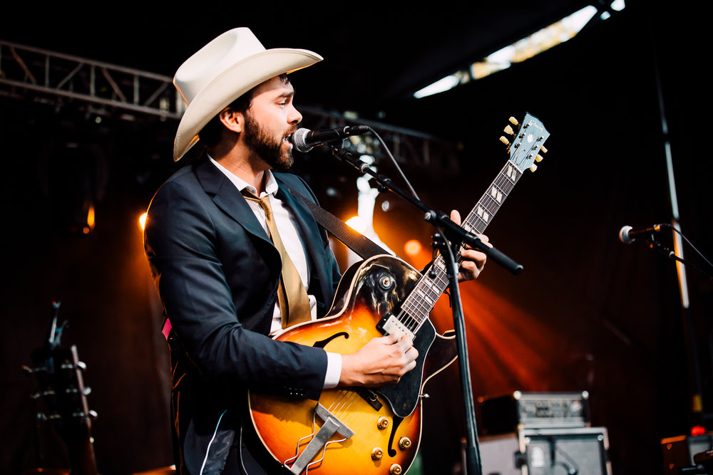 Shakey Graves - 5 - Loufest - Pitch.jpg