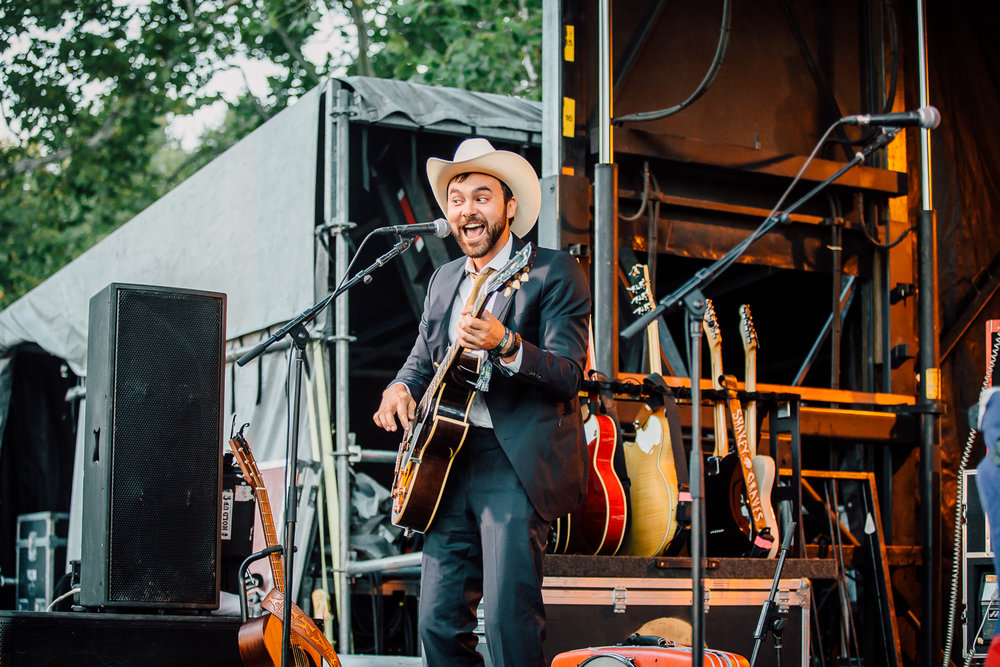 Shakey Graves - 6 - Loufest - Pitch.jpg