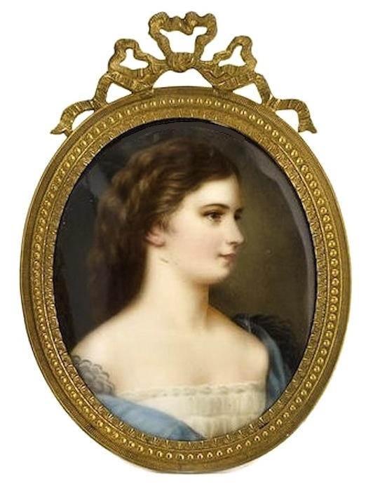 Unbekannter Künstler   Miniatur von Kaiserin Elisabeth (Sissi)  Porzellanmalerei  ca. 8.5 x 6.5cm, gerahmt  Provenienz: Privatbesitz USA