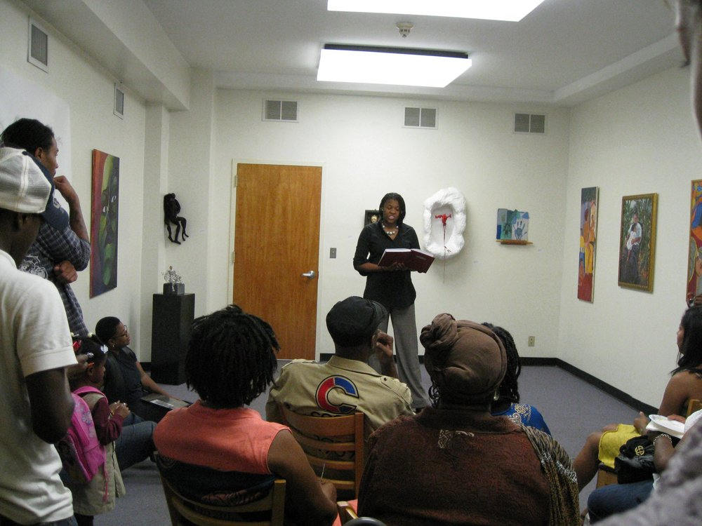 Mujer/ Woman  Newark Open Doors 2010, Space 972