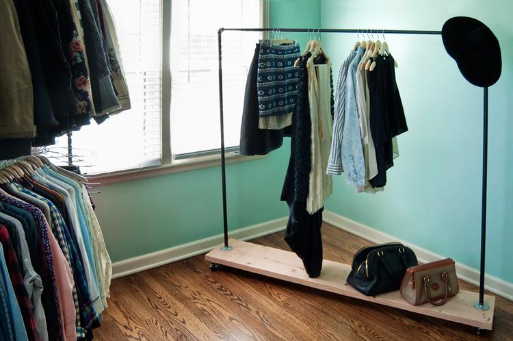 DIY Steel Pipe Rolling Wardrobe Rack