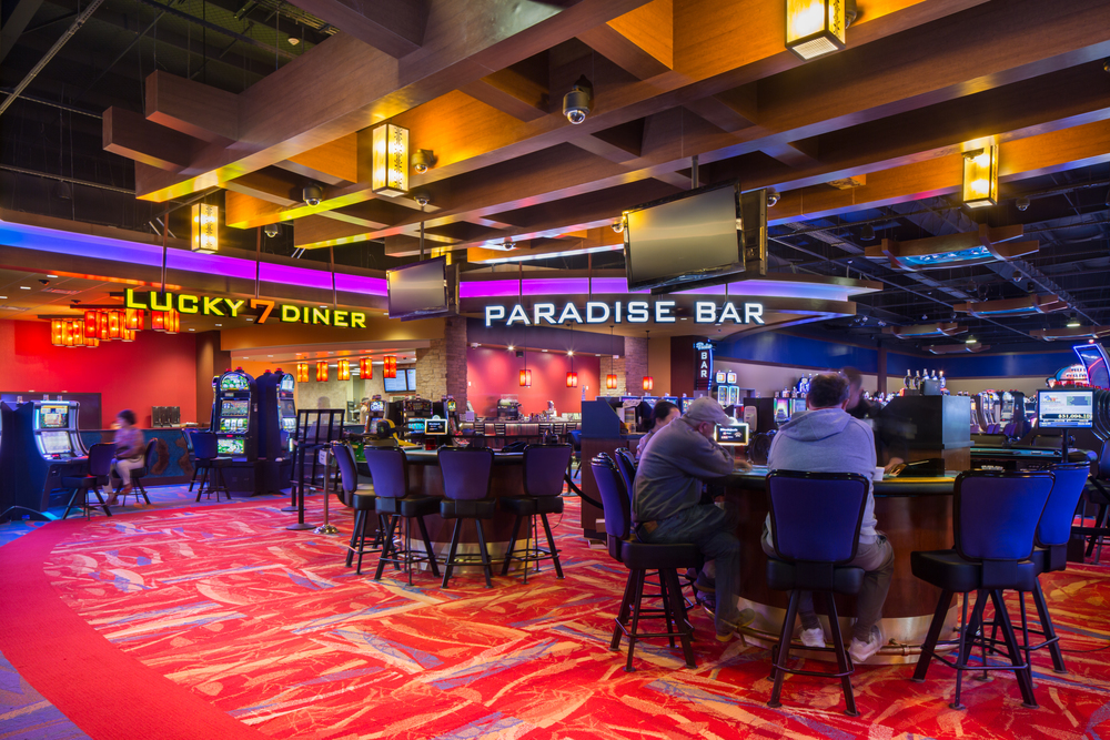 Paradise Casino_2016_03_29_View to bar and Diner through Pit.jpg