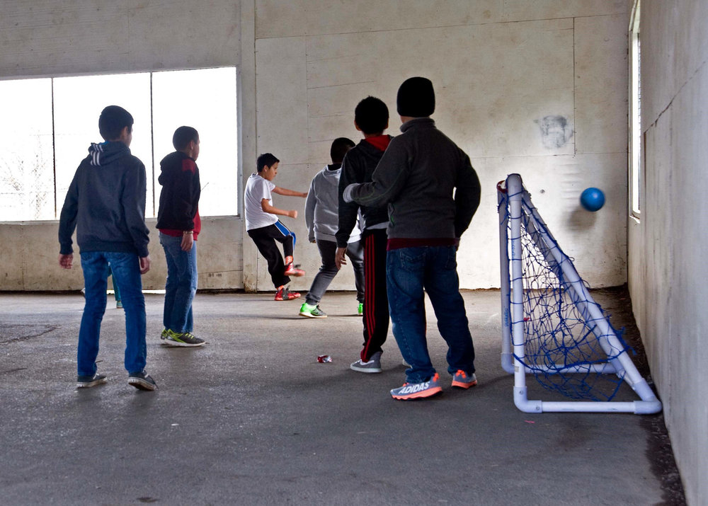 Parkdale students play indoor soccer.