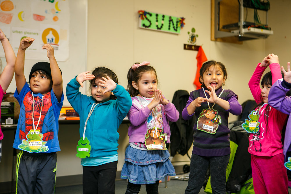 Children participate in Latino Network's Juntos Aprendemos program.