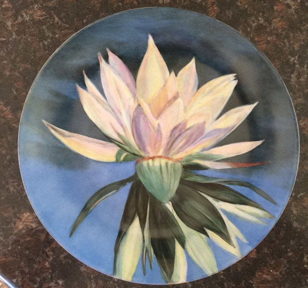 WATER LILY PORCELAIN PLATE.jpg