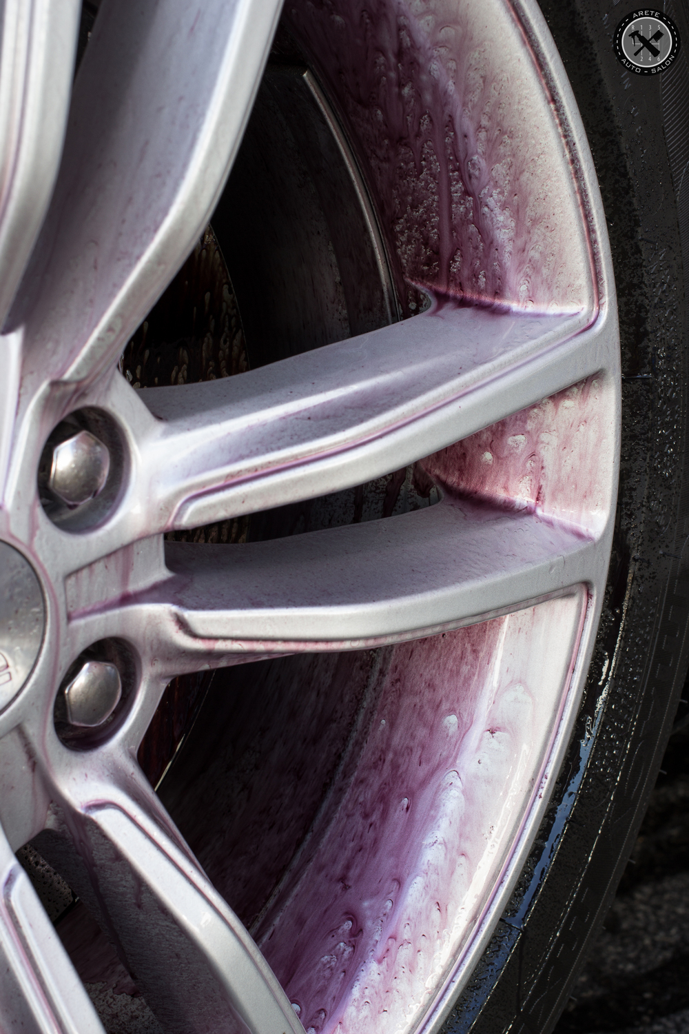 The wheel received a serious decontamination with Iron Remover prior to more intensive cleaning by hand.