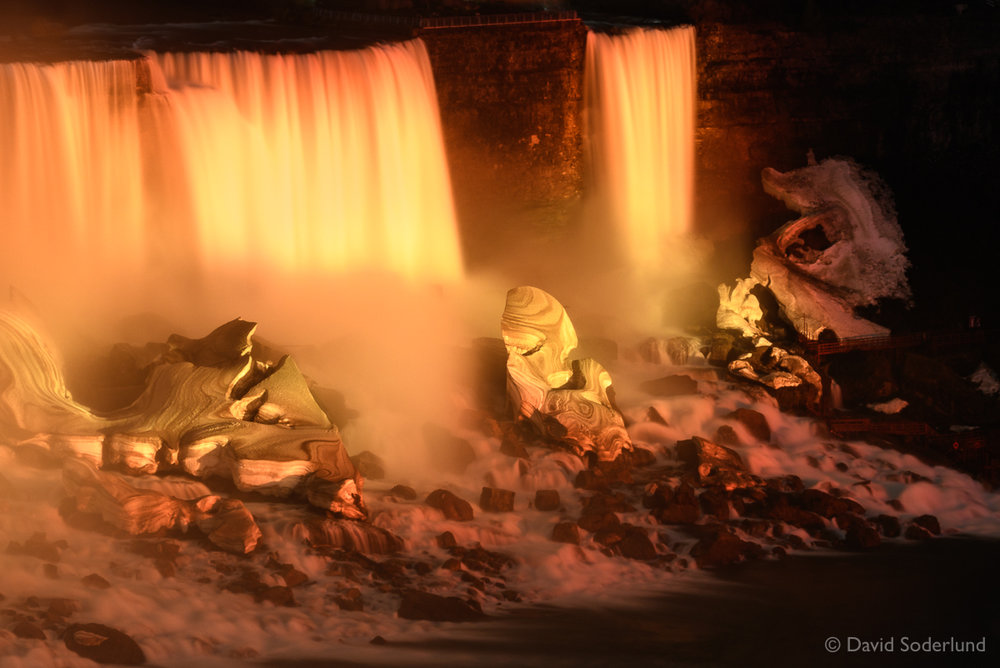 Niagara at Night.jpg