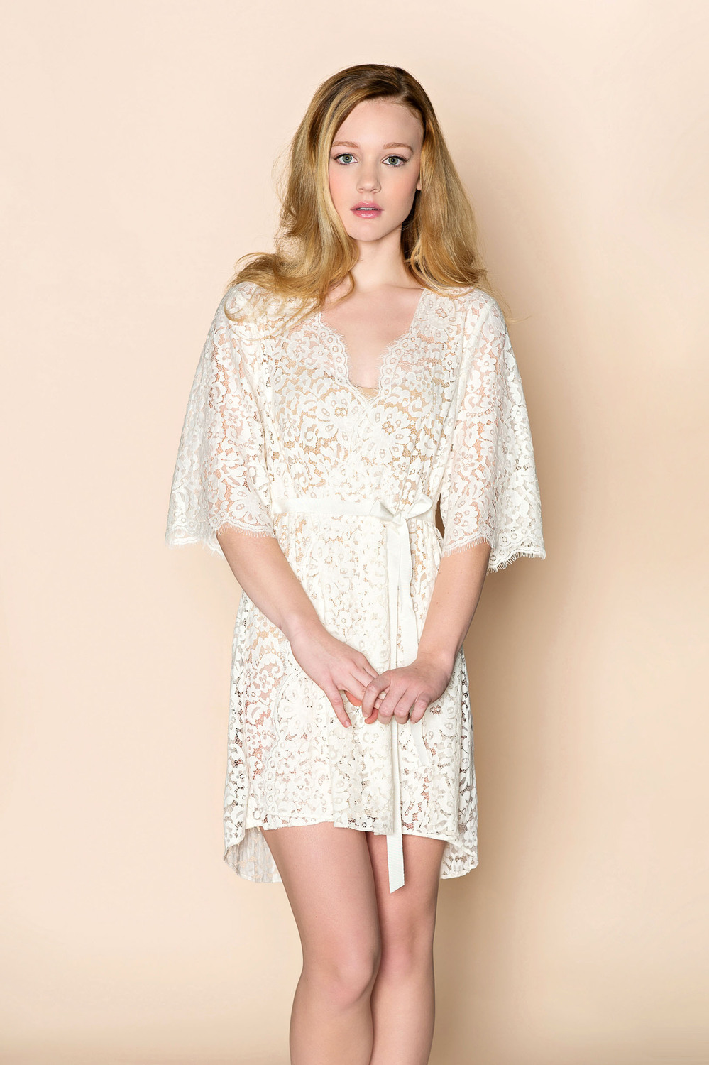 Elizabeth Bridal Lace Robe In Ivory