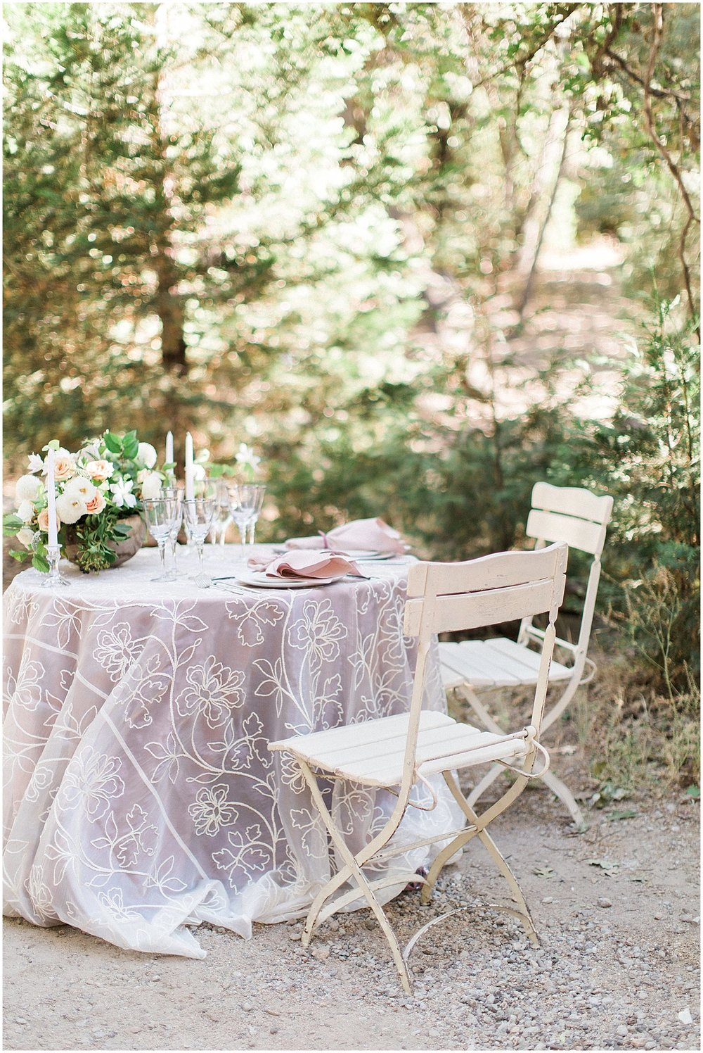 Romantic Sweetheart Table at Arrowhead Pine Rose featured on Style Me Pretty | Phoenix Wedding Planner | Megan Dileen Events