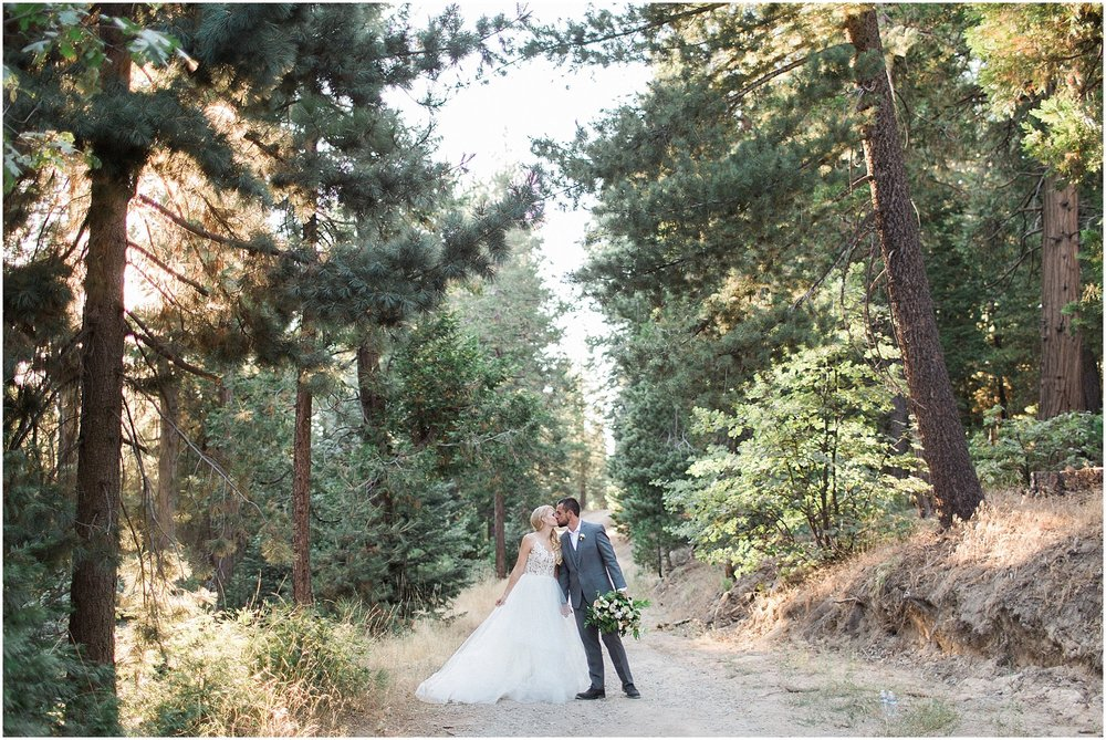 Bride & Groom at Arrowhead Pine Rose by Jenna Joseph Photography featured on Style Me Pretty | Scottsdale Wedding Planner | Megan Dileen Events