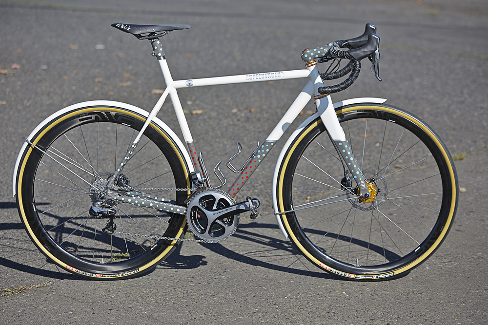 Michael Tabtabai's Fireflies Rugged Road model features disc brakes, Di2 and painted to match fenders.
