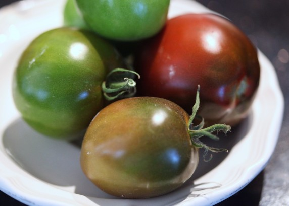 tomatoes.green.to.red