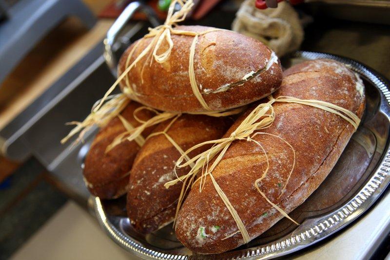 bakeshop.bread.raffia
