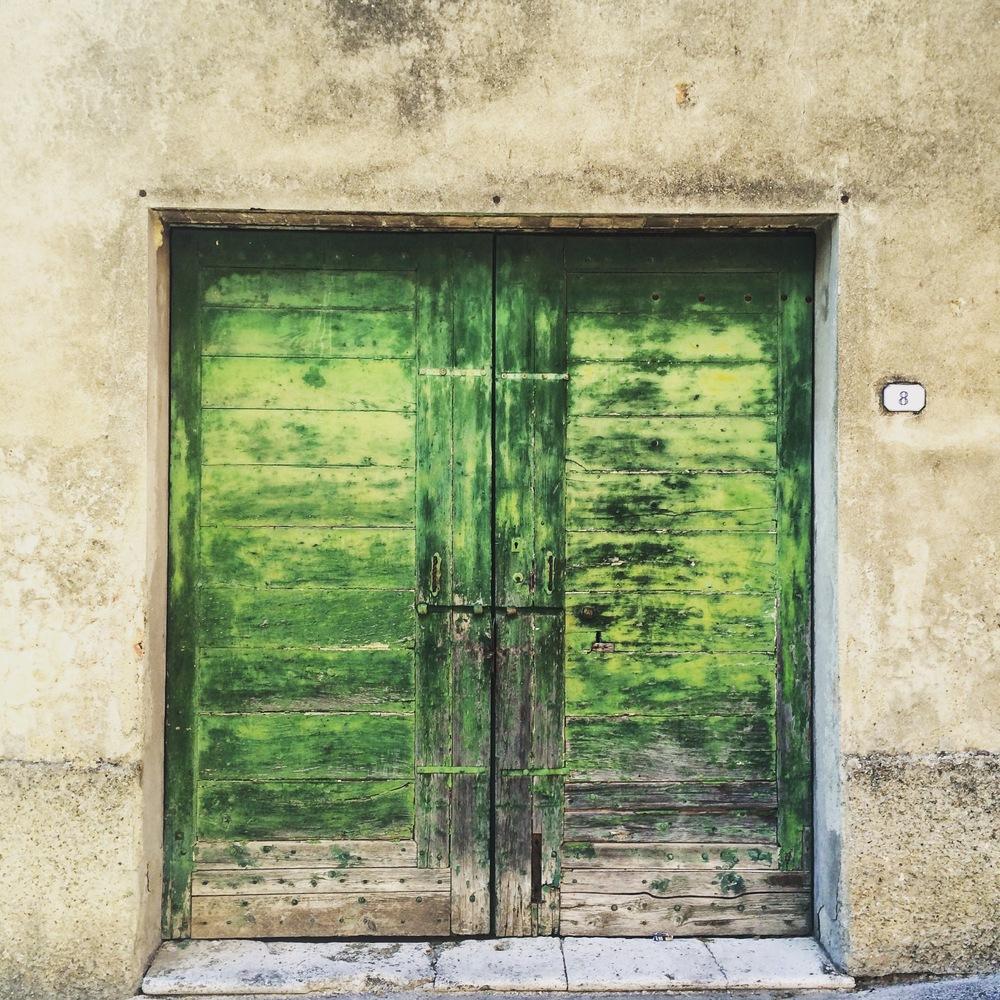 Door in Chiusi (pronounce cue-see)