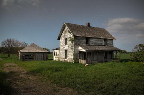 7c7de1f65c0bfaae-Abandonedhouse-Kansas-2-2.jpg