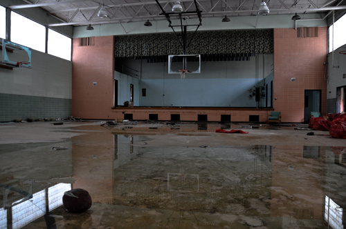 aced45a42fbad6e7-AbandonedSchool-AkronOH-2.jpg