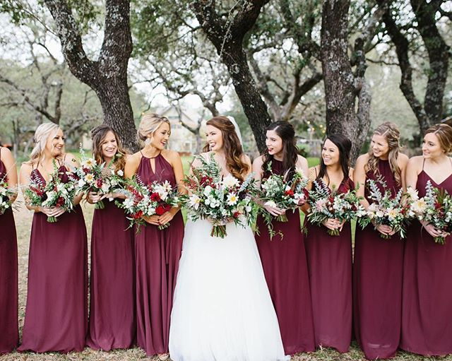 Bridal Party Babes & Bouquets! Can we just say how much we LOVE this snap!?! ♥️ All essential boxes for achieving ultimate #bridalparty goals are present & accounted for 🗳 1. Awesome chicks ✔️ 2. Awesome chicks celebrating another awesome chick ✔️✔️ 3. A bunch of totally awesome chicks dressed to the 9s while simultaneously rocking gorgeous #boho bouquets ✔️✔️✔️ #bridetribe #wedding #bouquet #weddingflowers #bride #bridesmaids #weddingflorist #weddingphotography