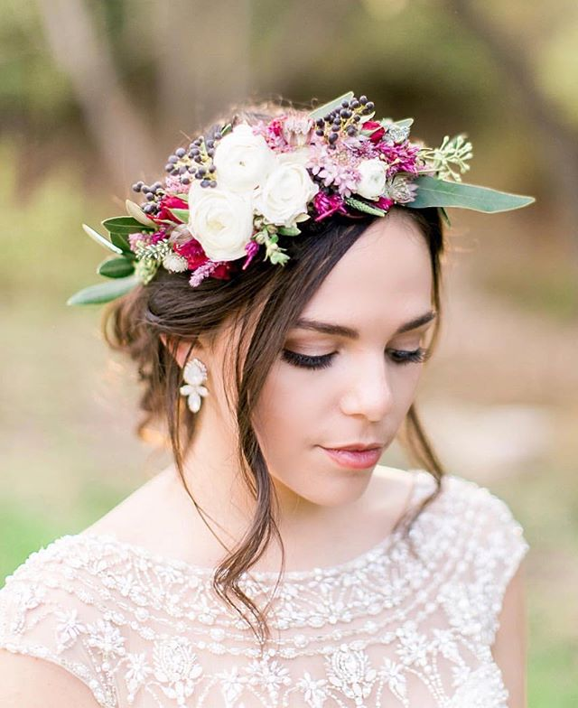 """""""She wore flowers in her hair, and carried magic secrets in her eyes""""- J.E. ✨🌿👑💕 #flowercrown #florist #weddinginspo #soloverly #weddingflowers"""