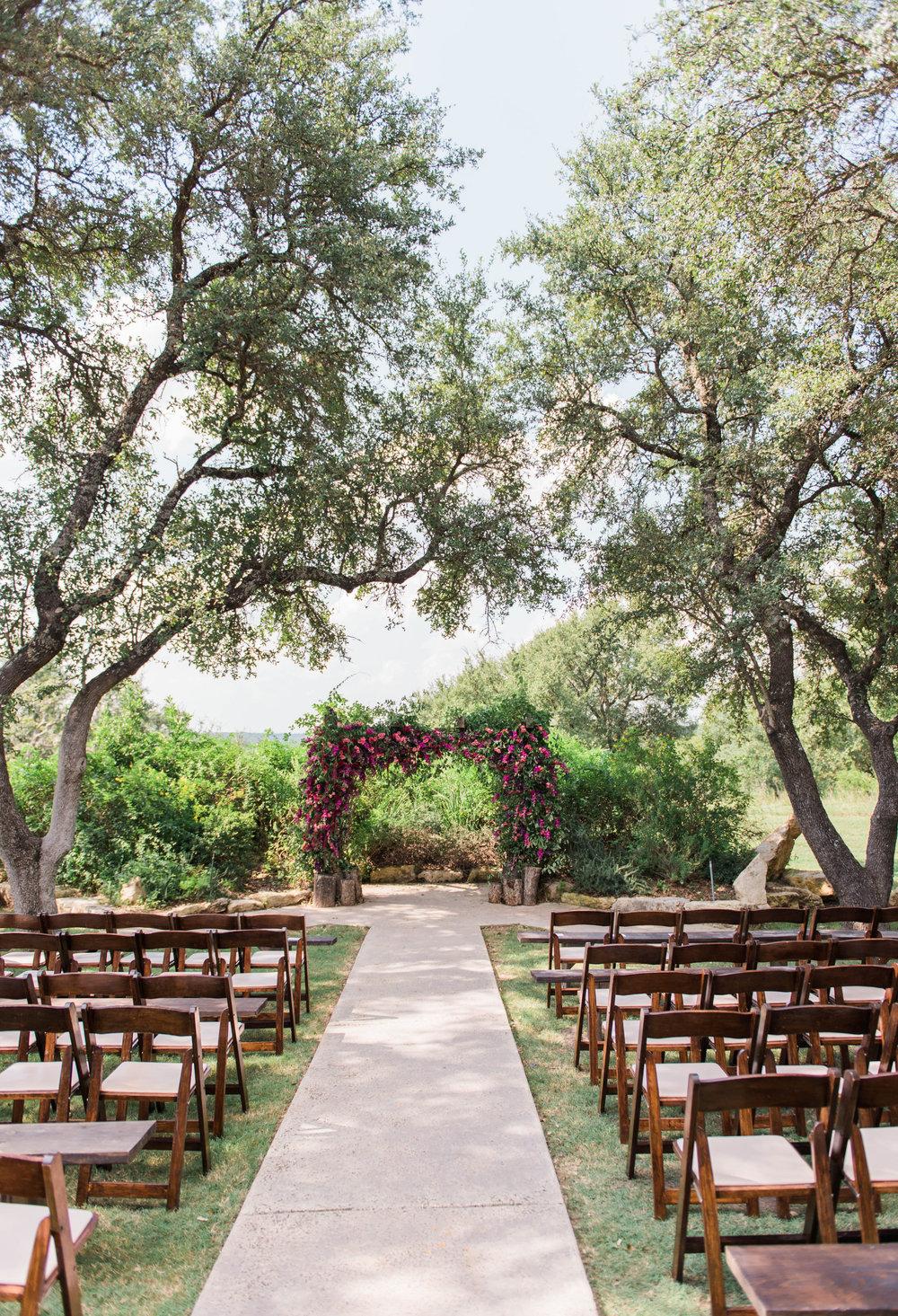outdoor-vista-west-ranch-wedding-ceremony-flowers-decor-petal-pushers-Austin