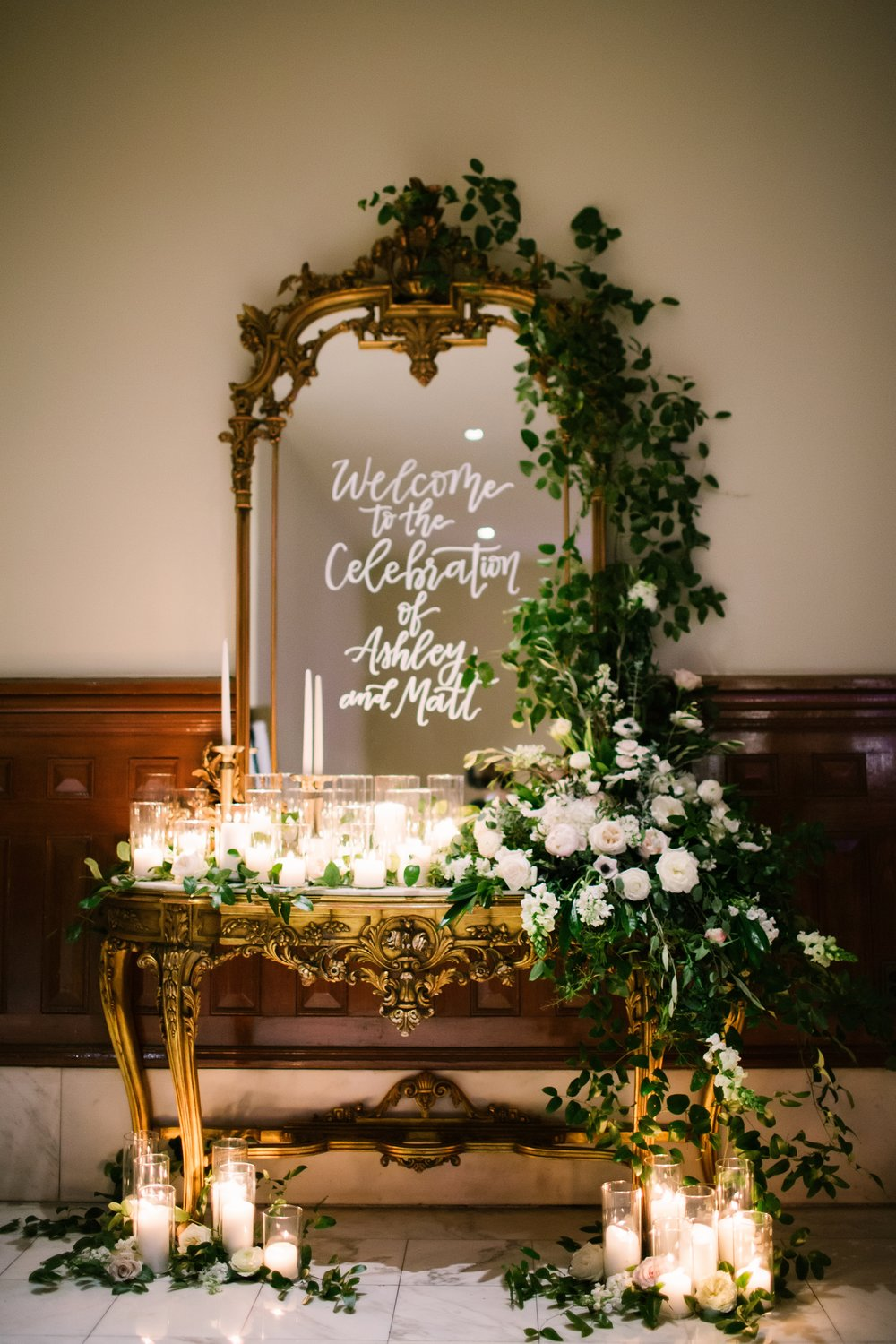 Petal Pushers is a premier wedding & special event florist located just outside of Austin in Dripping Springs, Texas. Sign in table wedding inspiration.