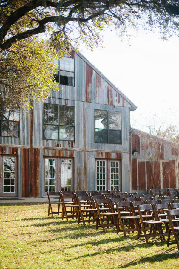 petal-pushers-vista-west-ranch-wedding-hill-country-austin-texas-barn-elegant-florist-rustic-boho-trendy