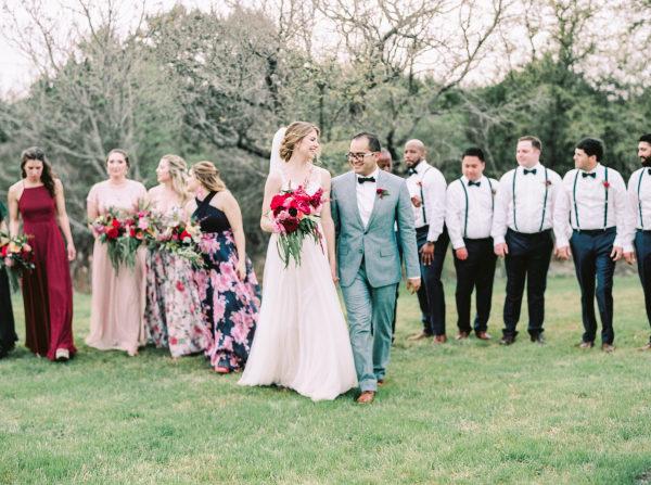 the-creek-haus-wedding-destination-weekend-lodging-austin-texas-petal-pushers-florist-bouquet-wedding-party
