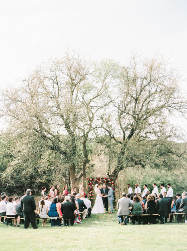 the-creek-haus-wedding-destination-weekend-lodging-austin-texas-petal-pushers-florist-outdoor-ceremony