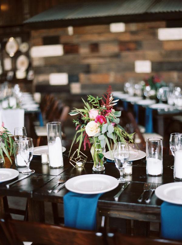 petal-pushers-wedding-florist-the-creek-haus-wedding-destination-weekend-lodging-austin-texas