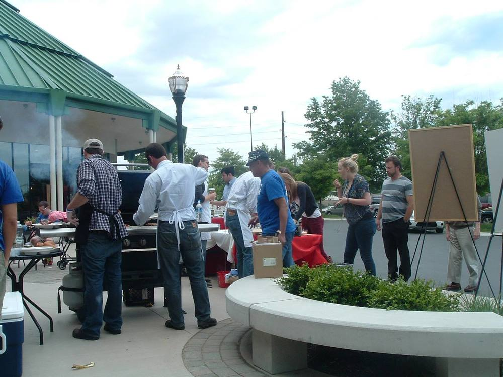 The party outside, at the Whole Foods Market Giving Grill. Burgers, dogs and roast corn on the cob. And everything was gluten free!