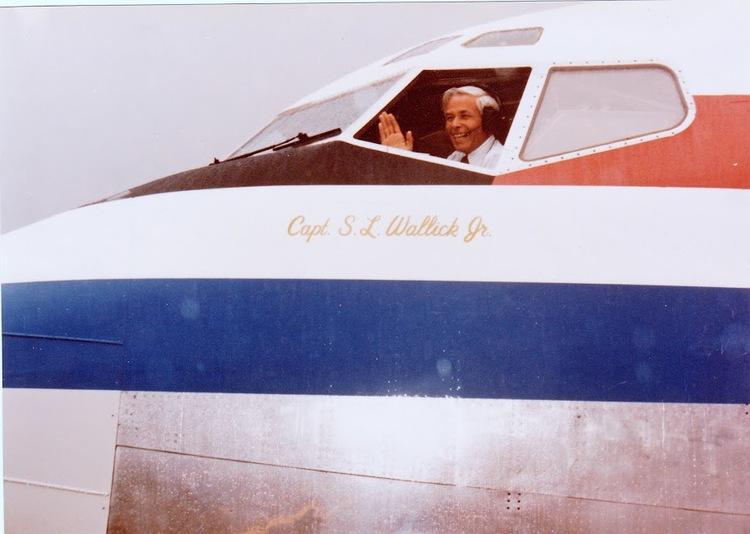 Capt. Wallick in 757..jpg