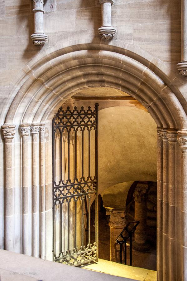 Crypt, Cathédrale Notre-Dame de Bayeux  Bayeux, France