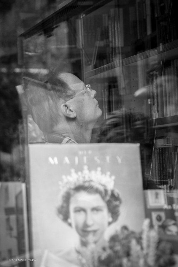 20131014_Shakespeare_and_Co_061107_web.jpg