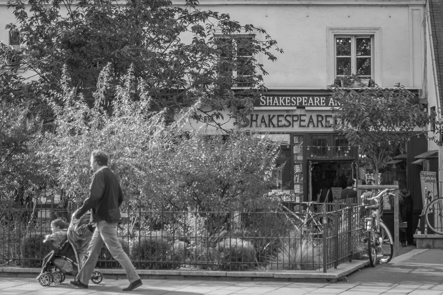 20131021_Shakespeare_and_Co_060718_web.jpg