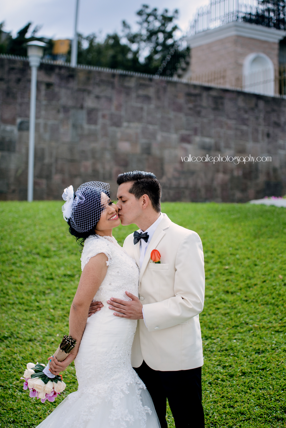 guatemala_wedding_photography_bride_and_groom.png