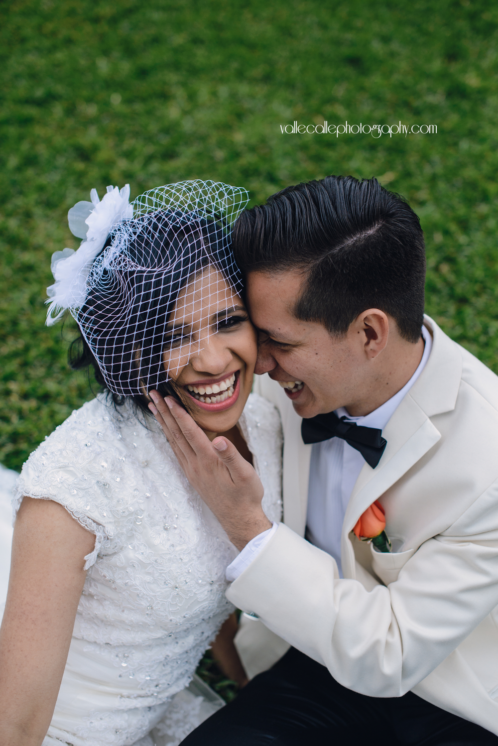 guatemala_wedding_photography_bride_and_groom_documentary.png