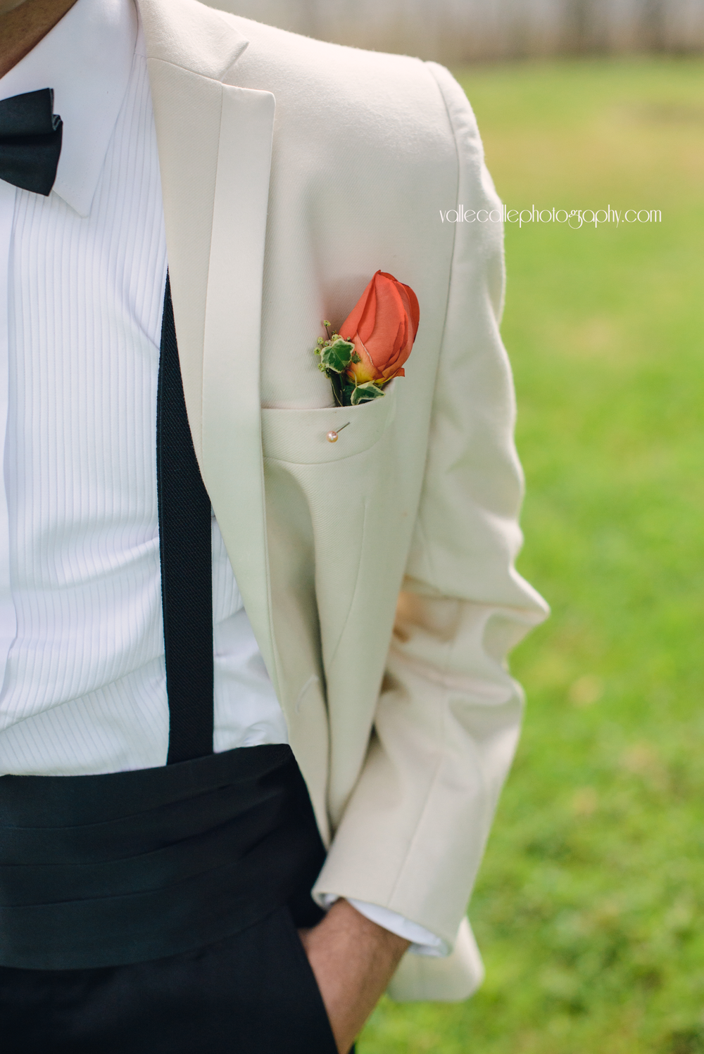 guatemala_wedding_photography_groom_detail.png