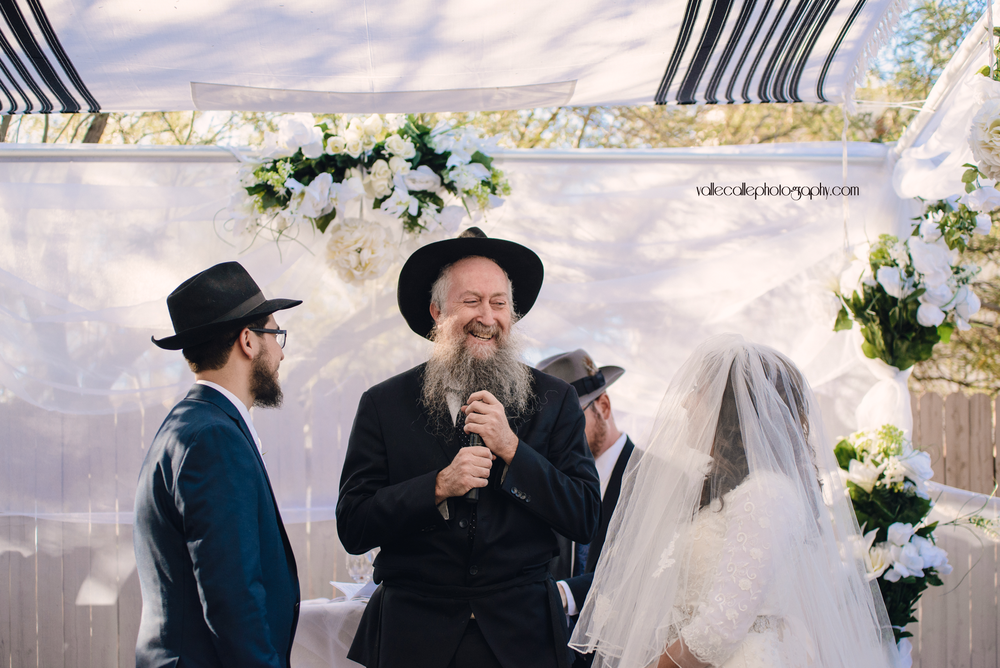 rabbi during ceremony