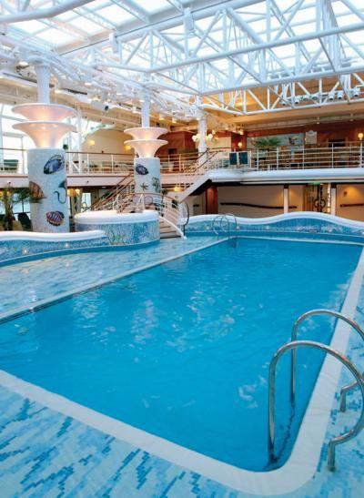 Ten encuenta que algunas piscinas son sólo para adultos